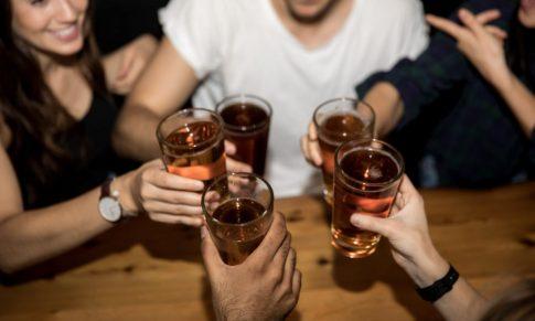 Alcoolul, factor de echilibru al riscului de boală CV şi cancer: dovezi în plus